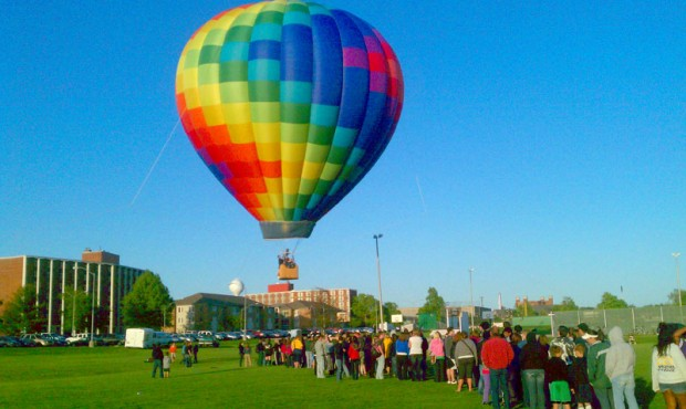 Hot Air Balloon Tether Rides In the Air - BalloonStormers